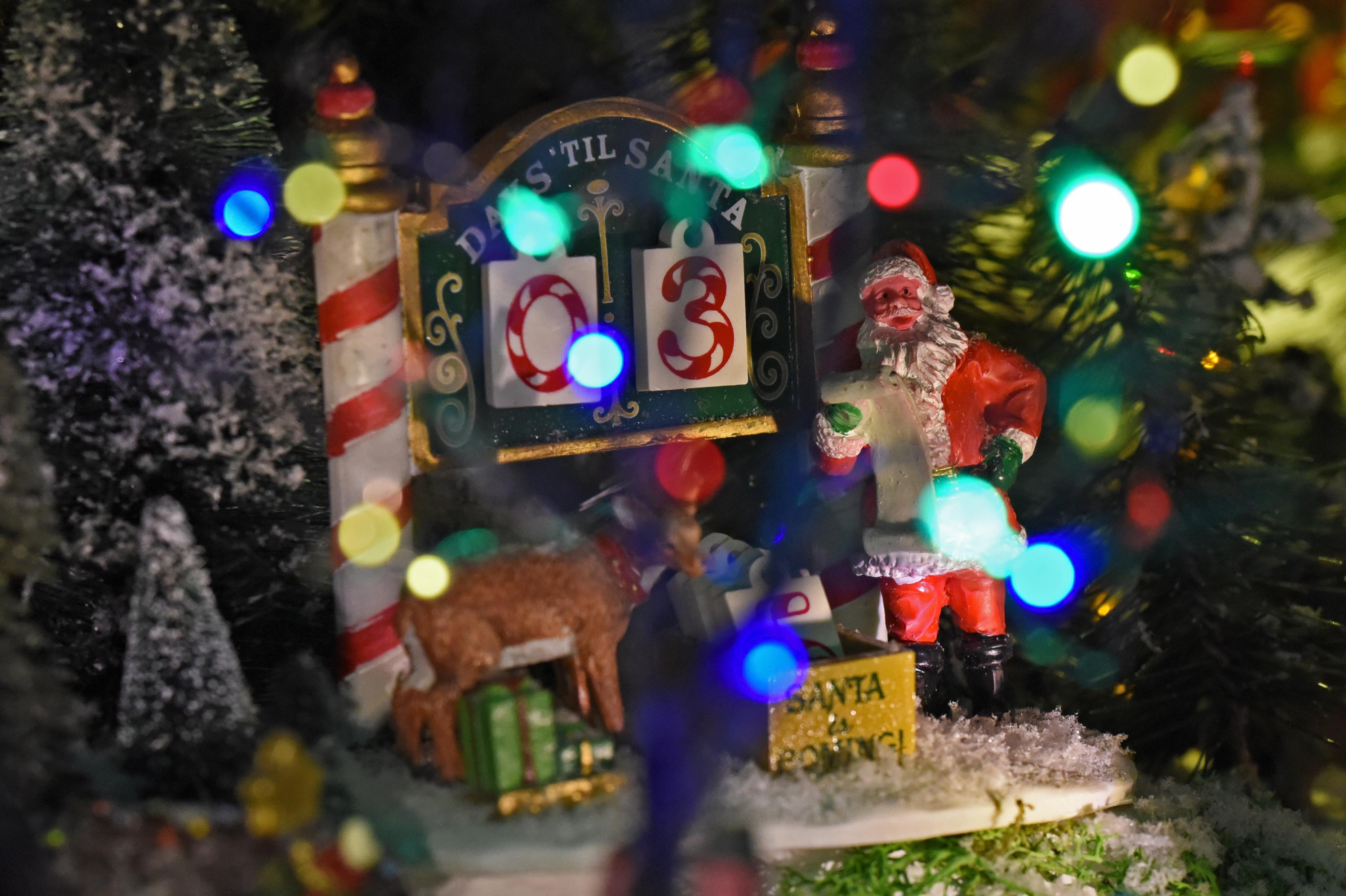 https://www.villagechristmaslove.com/wp-content/uploads/Villaggio-di-Natale-Lemax-Sirio-Sergo.mp4